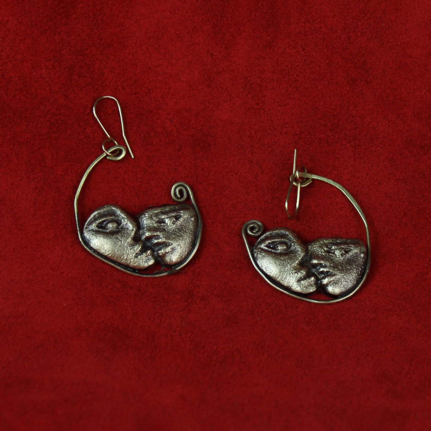 Lathe Kiss Earrings