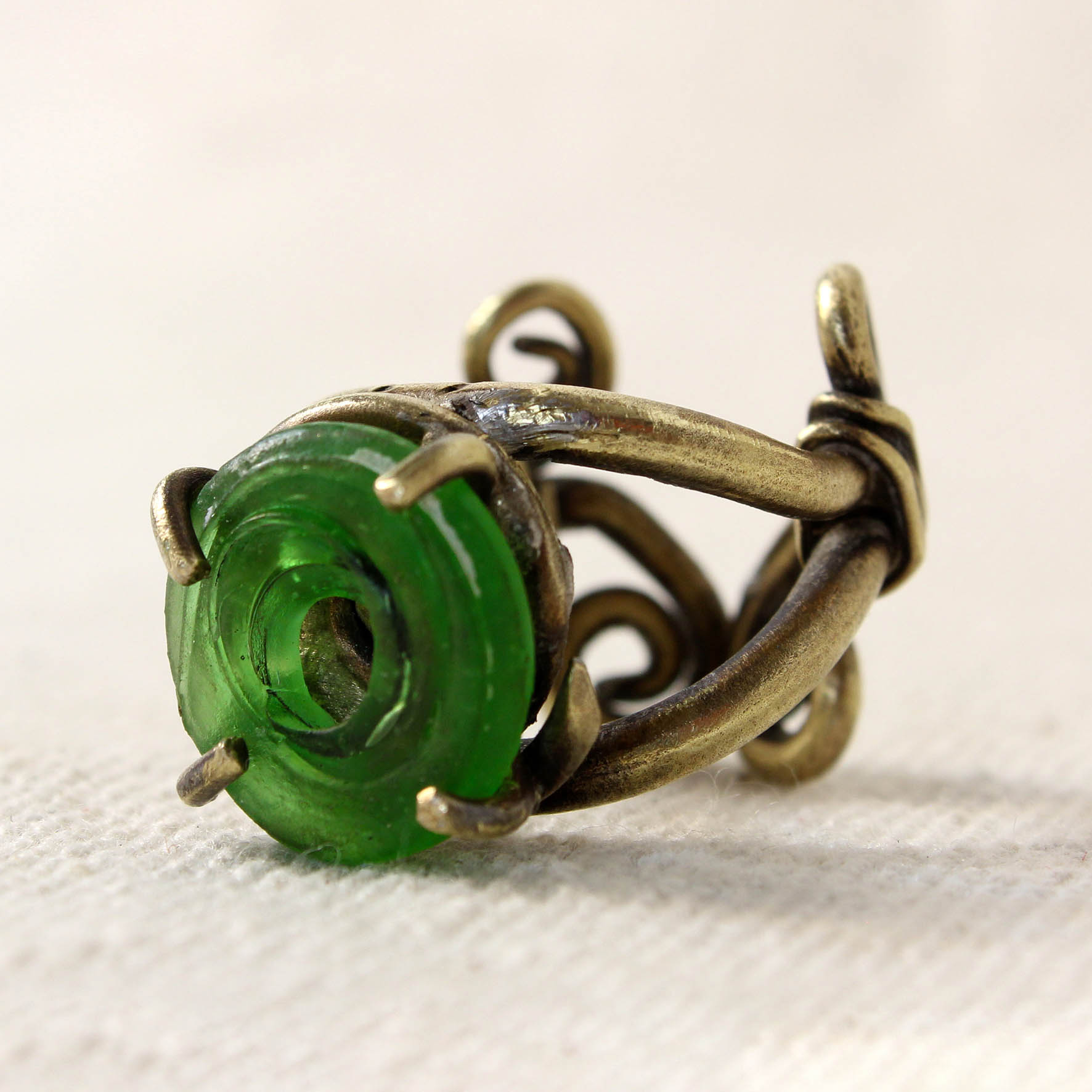 Spiral wire Glass Ring