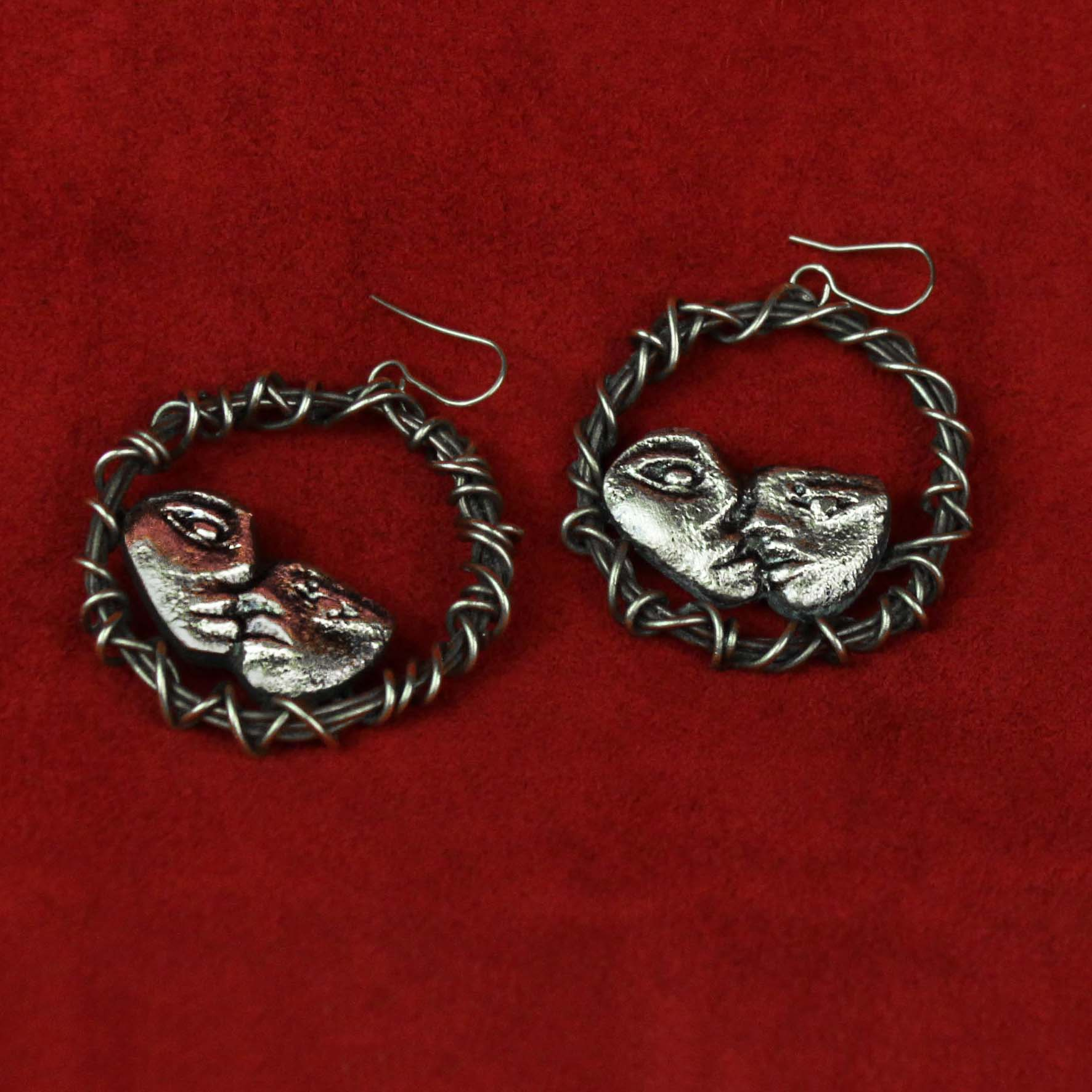 Coiled wire Kiss Earrings