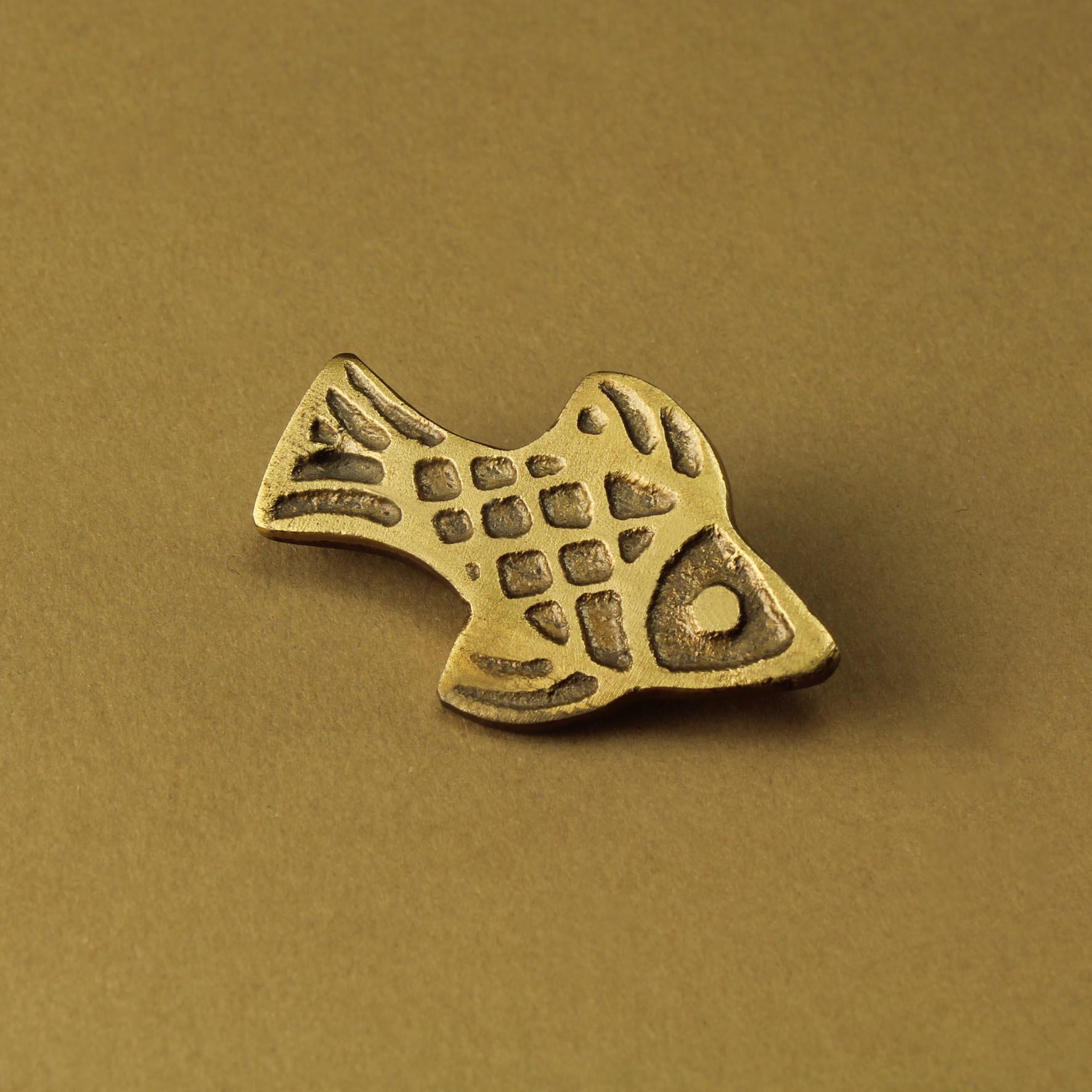 Checked Fish Pin