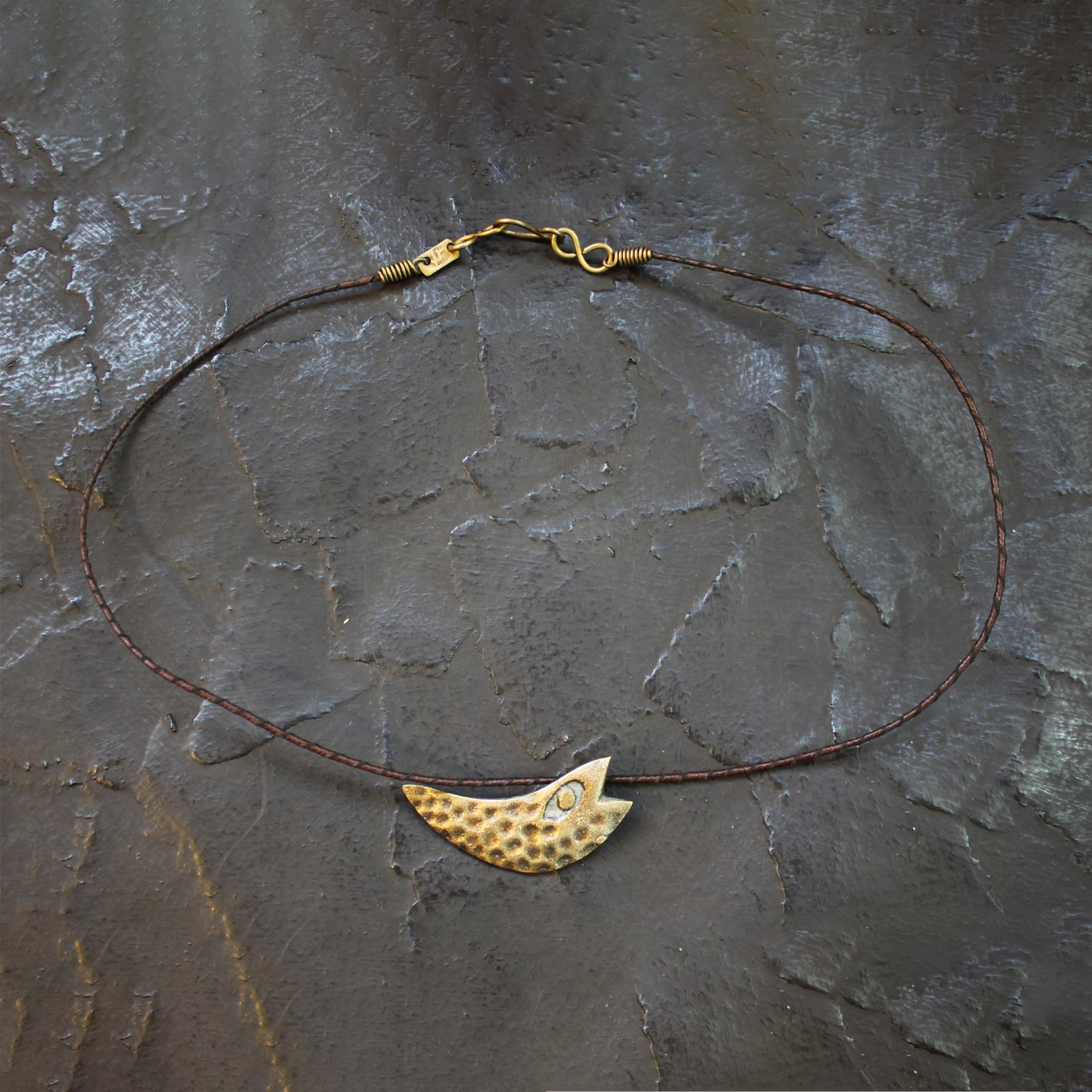 Small Fish Texture Necklace