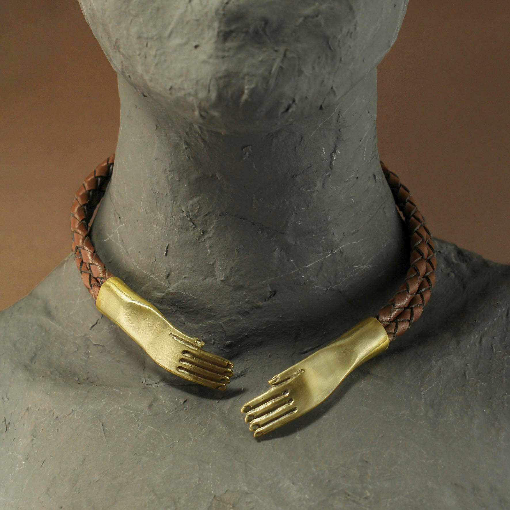 Hands Collar