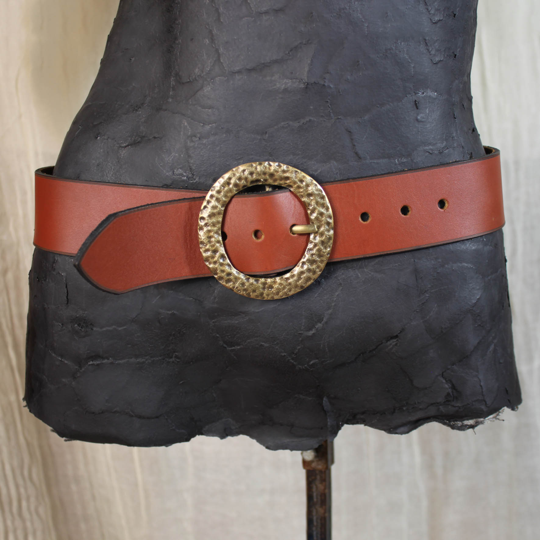 Textured Circle Buckle 5 CM Belt