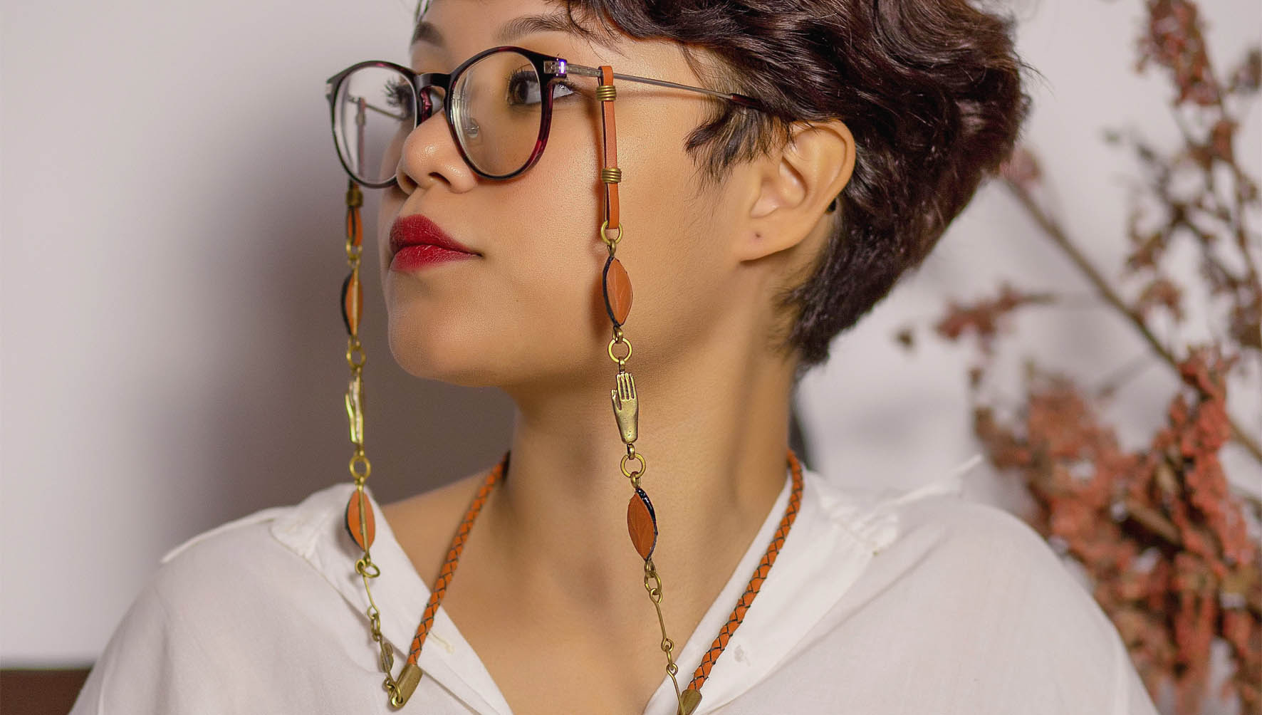 Winter Pharaonic Collection - Pharaonic Hands Glasses Chain Holder